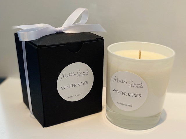 Winter Kisses - Candle